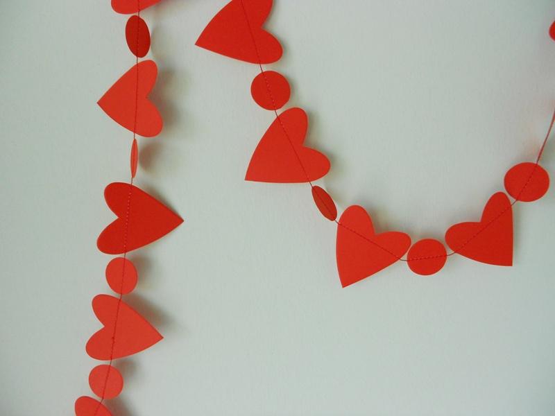 Paper bunting con cuori rossi