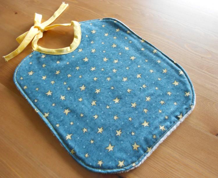 Bavaglino blu con stelle, 100% cotone
